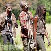 The Walking Dead s4B EW 02 Michonne pets