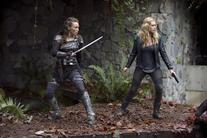 "The 100 -- ""Survival of the Fittest"" -- Image: HU210A_0308 -- Pictured (L-R): Alycia Debnam-Carey as Lexa and Eliza Taylor as Clarke -- Photo: Cate Cameron/The CW -- © 2015 The CW Network, LLC. All Rights Reserved"