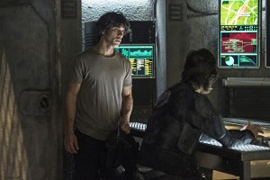 "The 100 -- ""Watch The Thrones"" -- Image HU304b_0288 -- Pictured (L-R): Bob Morley as Bellamy and Henry Ian Cusick as Kane -- Credit: Cate Cameron/The CW -- © 2016 The CW Network, LLC. All Rights Reserved"