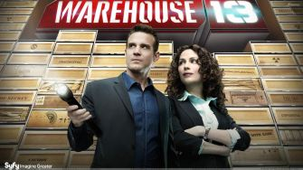 Warehouse%2013%20-%20Eddie%20Mcclintock%20Torch%20In%20Hand%20And%20Joanne%20Kelly