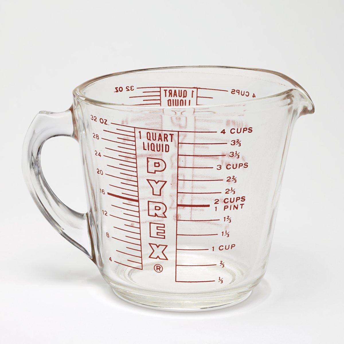 Pyrex 1 Quart Liquid Measuring Cup