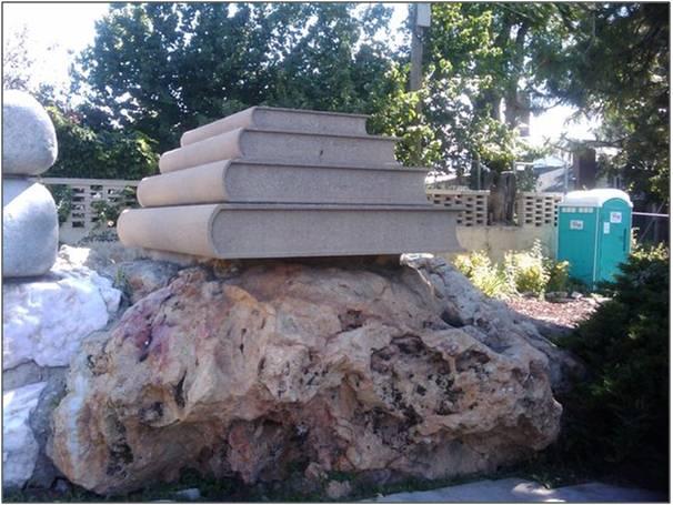 Twitpic, champion du Copydown. Pas moyen d'y échapper quand on utilise le service (mais personne ne vous y force après tout ...) Stone Books. Par levityinbrevity. Source : Twitpic
