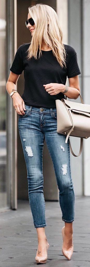 ripped jeans and black tee