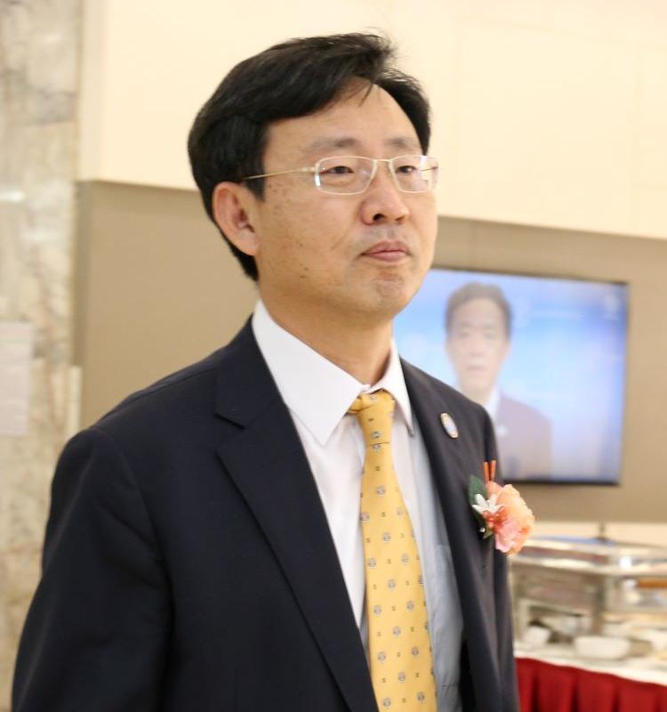 UN, FAO, Korea, assistant director general. regional representative