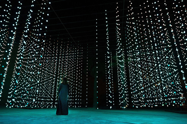 """""""Squidsoup"""" - Submergence, 2013-2021 - Electronics, LEDs, computers, support structure - 768 x 1033 x 447 cm - Courtesy of the artists and Light Art Collection - Photo © Riyadh Art 2021"""
