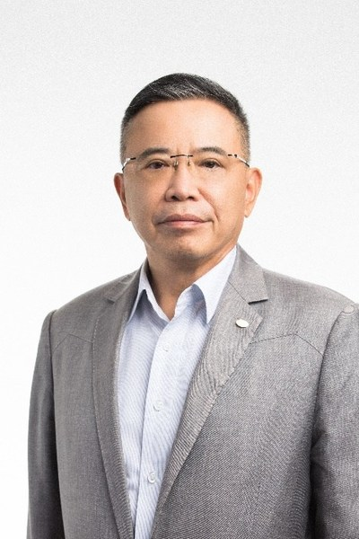 Chairman and CEO of TCL, Li Dongsheng
