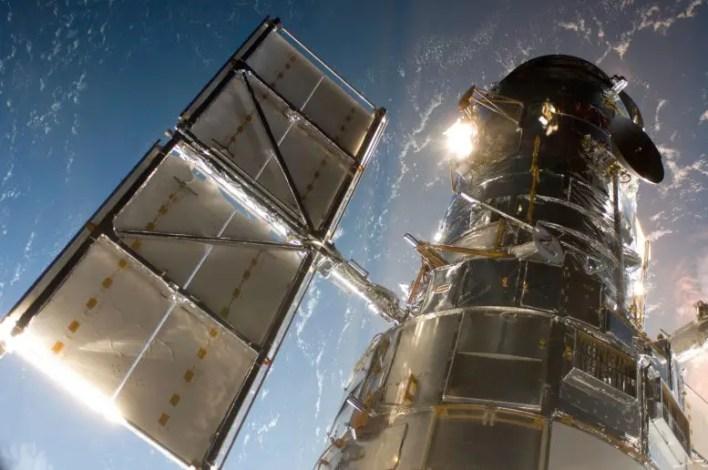 Hubble Uzay Teleskobu Yörüngede