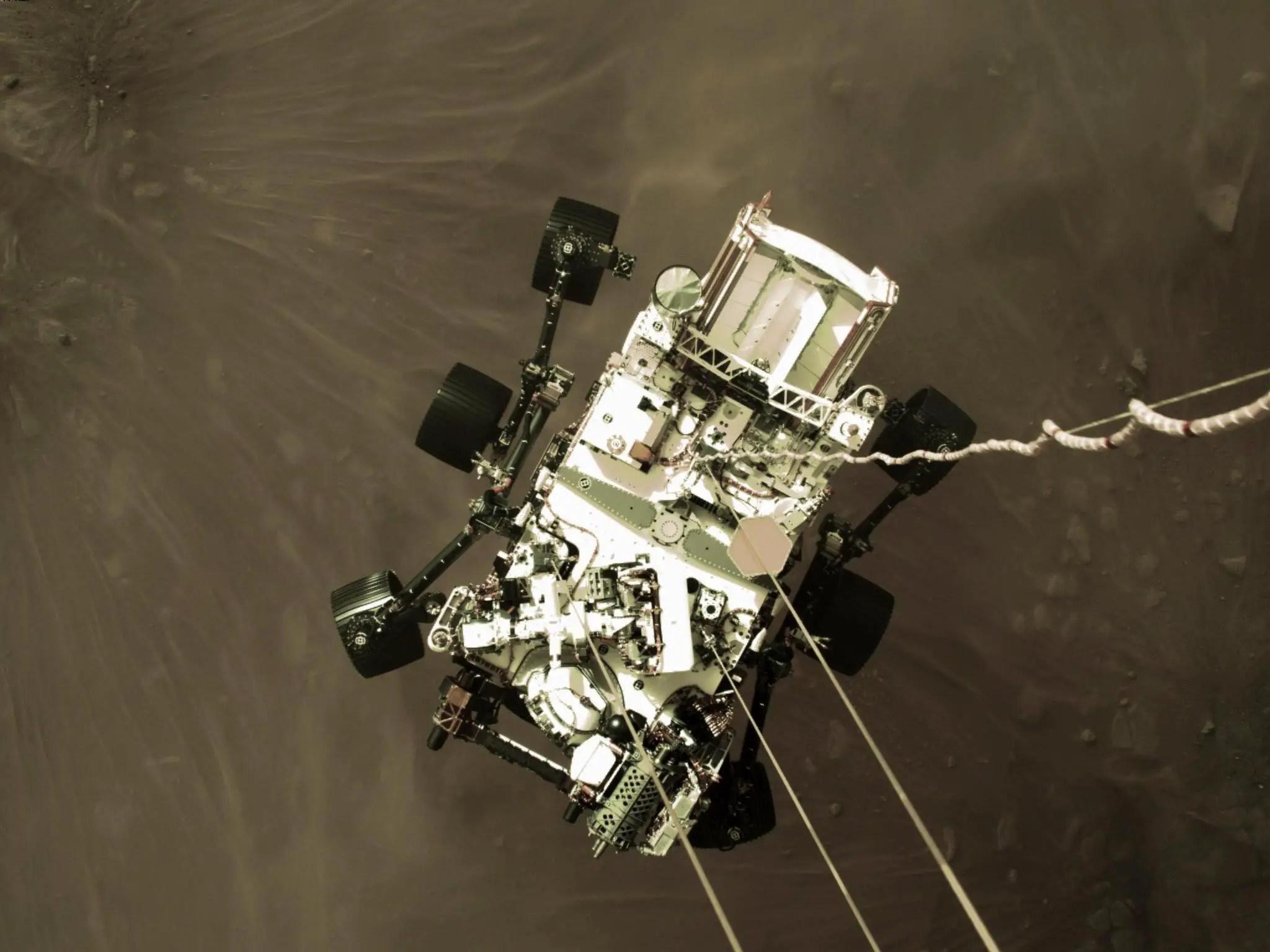 Incredible Sneak Peek of Mars Landing Sent Back by NASA's Perseverance Rover