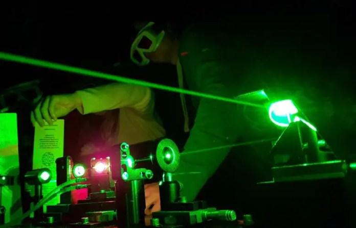 Ultra Fast Spectroscopy Setup