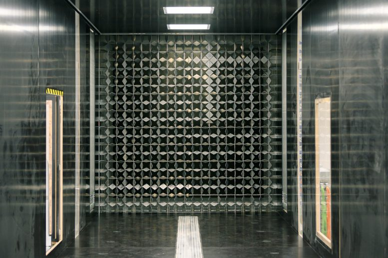 Wind Tunnel Active Grid