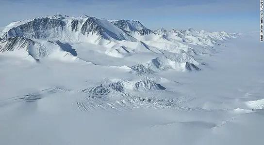antarctica-ice-shelf-lake