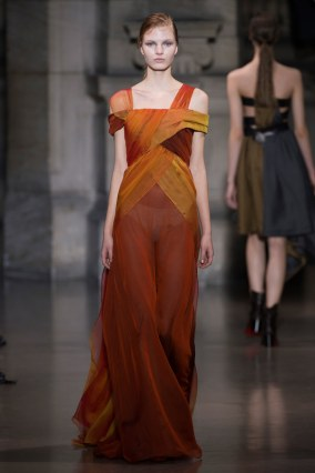 15-yiqing-yin-couture-spring-2016