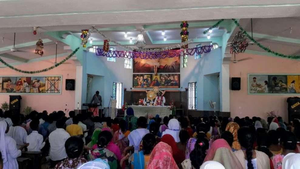Charismatic retreat in Jamtara Parish