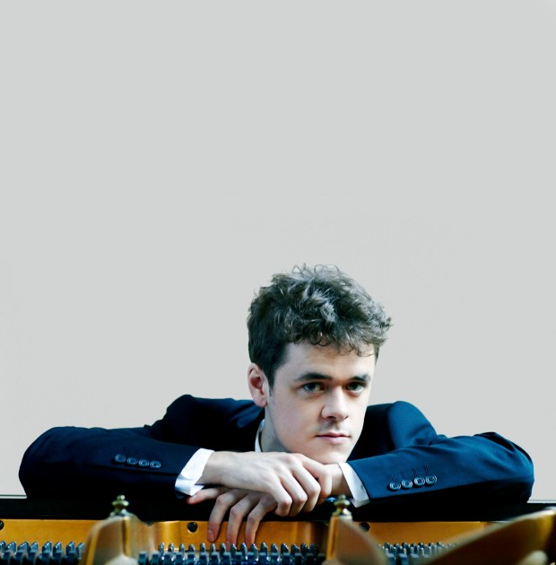 Grosvenor was a childhood sensation in England, winning his first major competition as a child in 2004. (Arts Management Group)
