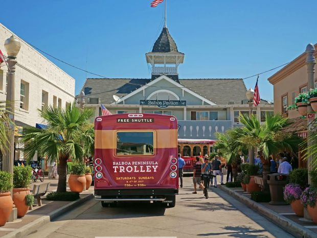 This new free trolley transports passengers around the Balboa Peninsula on summer weekends and 4th of July
