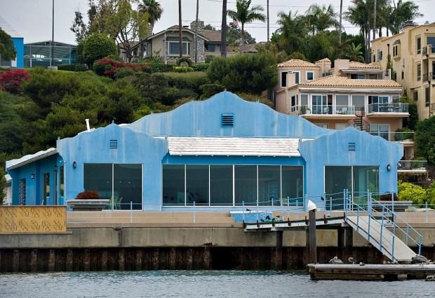 blue house on bayside