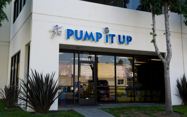 ///ADDITIONAL INFORMATION: BOC.pumpitup – 8/24/11 – LEONARD ORTIZ, THE ORANGE COUNTY REGISTER – Building mug of Pump it Up for Best of Orange County.