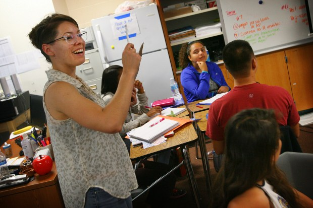 Cristina Sanchez, left, teaches a Spanish class that has some dual immersion students at Roosevelt High School in Eastvale on Tuesday, August 30, 2016. Dual immersion programs that teach kids in English and Spanish have been expanding to Inland high schools to help kids function in an increasingly bilingual society. Corona-Norco Unified is growing from one to two high schools, Riverside Unified is thinking about it, and San Bernardino City Unified has a popular program.