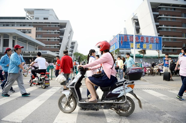 Morning traffic in the Pudong area of Shanghai on June 14, 2016. ///ADDITIONAL INFORMATION: Slug: Shanghai.DIsneyland, Day: Tuesday, June 14, 2016 (6/14/16), Time: 7:50:16 AM, Location: Shanghai, California - Shanghai Travel - JEFF GRITCHEN, STAFF PHOTOGRAPHER