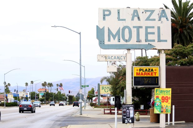 Santa Maria, California. On Broadway in Santa Maria, motels line the street. Many house homeless families on an emergency, or long-term basis. (Photo: Iris Schneider, EdSource)