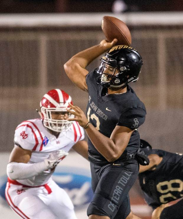 St. John Bosco quarterback D.J. Uiagalelei throws a pass against Mater Dei during their game in Torrance, Calif., on Friday, October 13, 2017. (Photo by Paul Rodriguez, Orange County Register/SCNG)