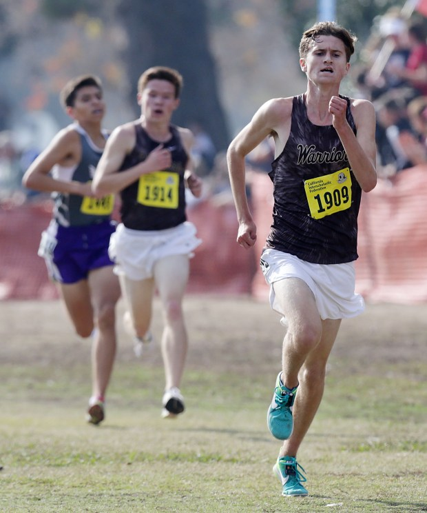 West Torrance's Rory Abberton (1909) finishes the D3 CIF-State Cross Country Championships at Woodward Park Saturday in Fresno, CA. November 25, 2017. (TERRY PIERSON,THE PRESS-ENTERPRISE/SCNG)