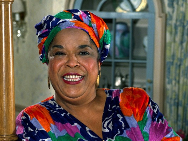 "This October 1991 file photo shows actress Della Reese. Reese, the actress and gospel-influenced singer who in middle age found her greatest fame as Tess, the wise angel in the long-running television drama ""Touched by an Angel,"" died at age 86. (AP Photo/Douglas C. Pizac, File)"
