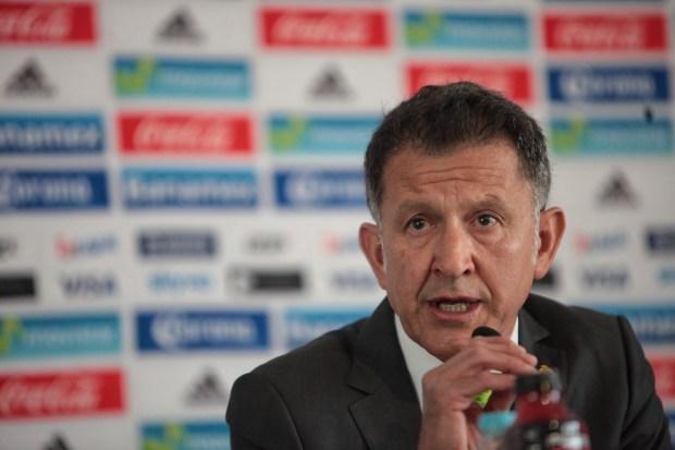 EFEMEX07. CIUDAD DE MÉXICO (MÉXICO), 04/05/2016.- El director técnico de la selección mexicana de fútbol, el colombiano Juan Carlos Osorio, ofrece una rueda de prensa hoy, miércoles 4 de mayo de 2016, en Ciudad de México (México). EFEMEX/Sáshenka Gutiérrez