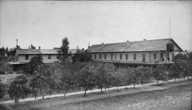 Riv 1880s 2 - Glenwood Hotel