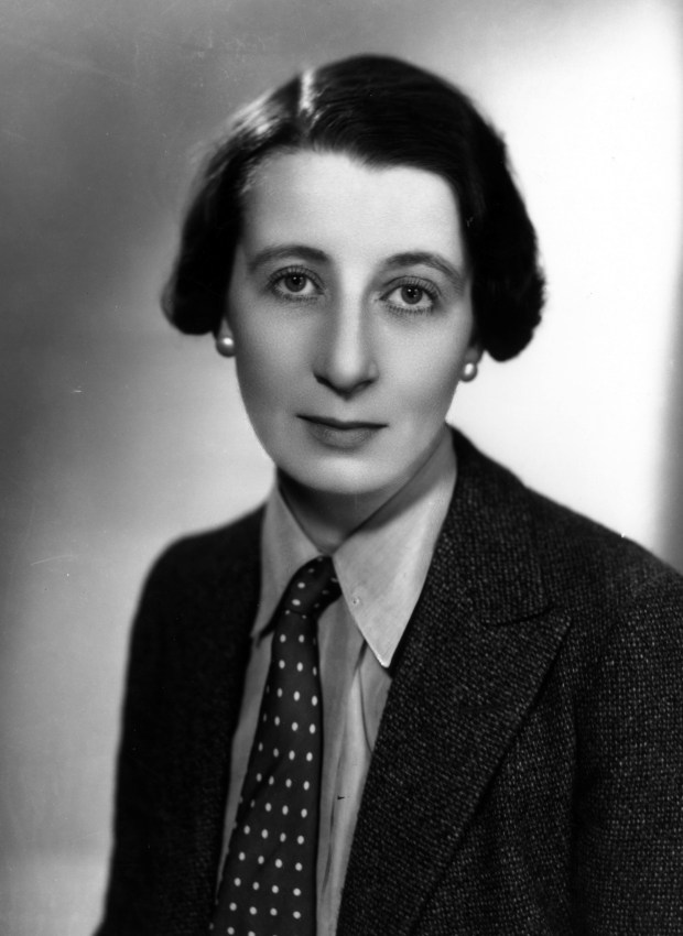 7th April 1934: Elizabeth Mackintosh (1897-1952) who wrote mystery novels under the nom de plume of Josephine Tey, and dramatic works under the pseudonym of Gordon Daviot. (Photo by Sasha/Getty Images)