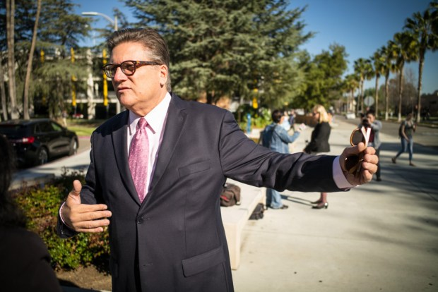 Sen. Bob Hertzberg talks about a transportation proposal that meets the critical public transit needs of San Fernando Valley residents and the 50,000 students, faculty and staff at Cal State Northridge. (Photo by David Crane/Los Angeles News Group)