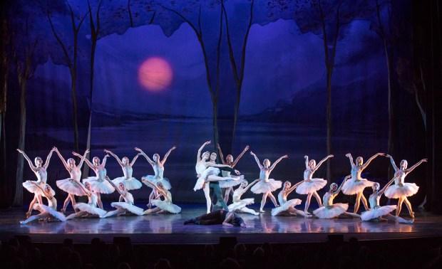 LAB Swan Lake Performance Alex Theater 180303