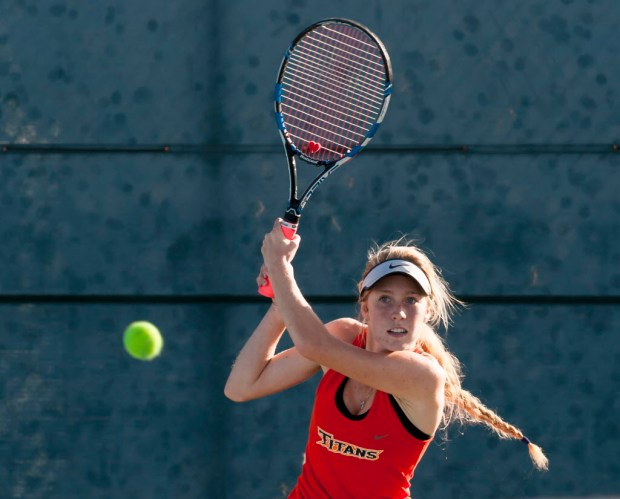 Cal State Fullerton's Caisey Lee Emery returns the ball during the season opener women's tennis match against UC San Diego in Fullerton on Thursday, Jan. 18, 2018. (Photo by Leonard Ortiz, Orange County Register/SCNG)