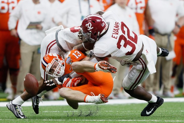 Rashaan Evans of the Alabama Crimson Tide breaks up a pass intended for  Hunter Renfrow of 90288f0e3
