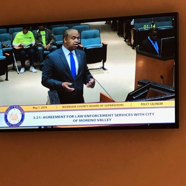 Daryl Terrell, a Moreno Valley resident, asks the Riverside County Board of Supervisors a question about the county's contract to provide police service in Moreno Valley. (Photo by David Downey, Staff)