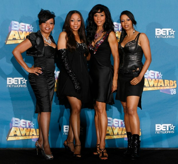 En Vogue poses backstage at the BET Awards on Tuesday June 24, 2008 in Los Angeles. (AP Photo/Danny Moloshok)