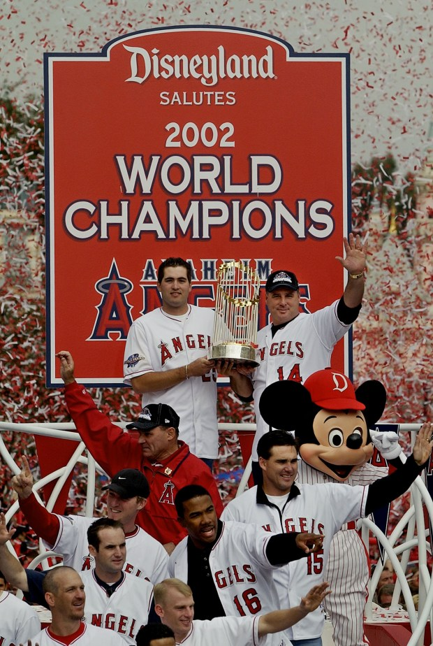 Tim Salmon, Garret Anderson among former Angels to react as Mike Scioscia steps down
