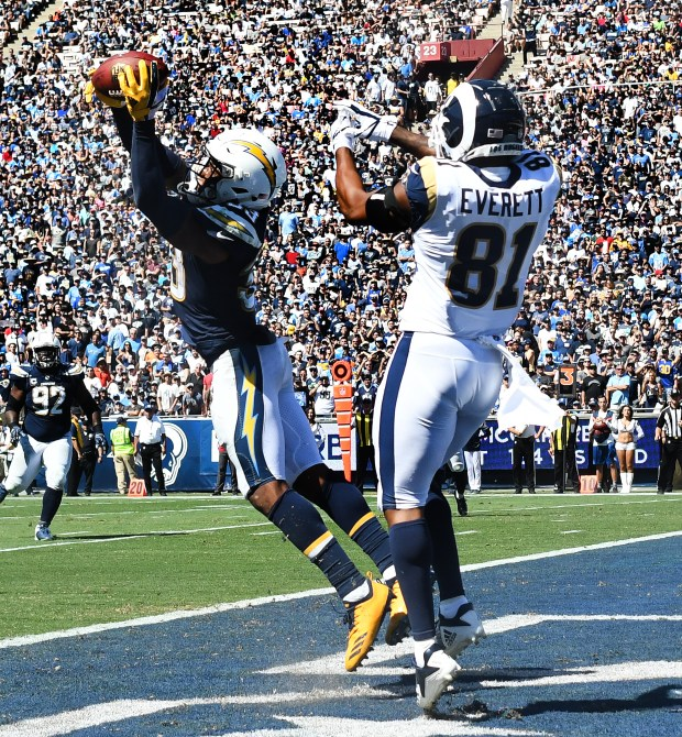 Whicker: Rams had Chargers cornered, and Cory Littleton didn't let them escape