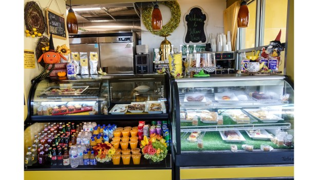The Yellow Vase Opens Two New Cafes One In Manhattan Beach Another