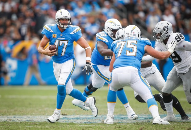 Michael Schofield, Sam Tevi turn from pleasant surprises to starters on Chargers offensive line