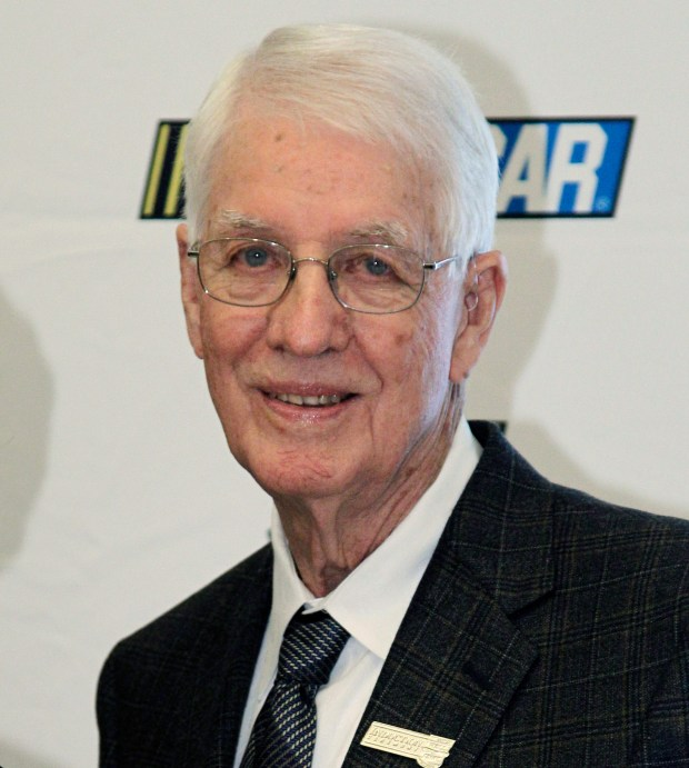 Glen Wood, NASCAR Hall of Famer, dies at 93