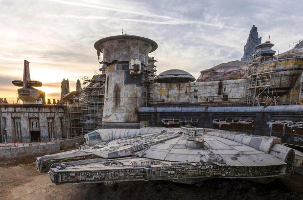 How Disney uses thousands of set dressing props to make Galaxy's Edge look and feel like a 'Star Wars' movie