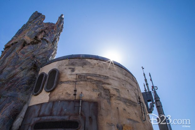 How Disney Imagineers hand-build petrified tree spires in Star Wars: Galaxy's Edge