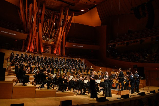 For the LA Master Chorale, musical opposites play together beautifully