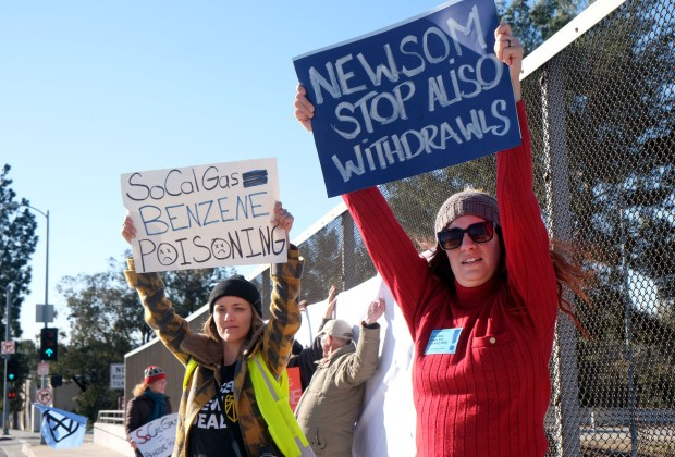 Close Aliso Canyon facility within year, protest urges