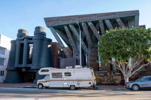 12 places to see classic Southern California roadside architecture