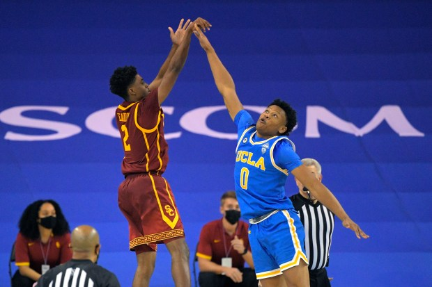 Tahj Eaddy, USC stun UCLA to keep Pac-12 title hopes alive