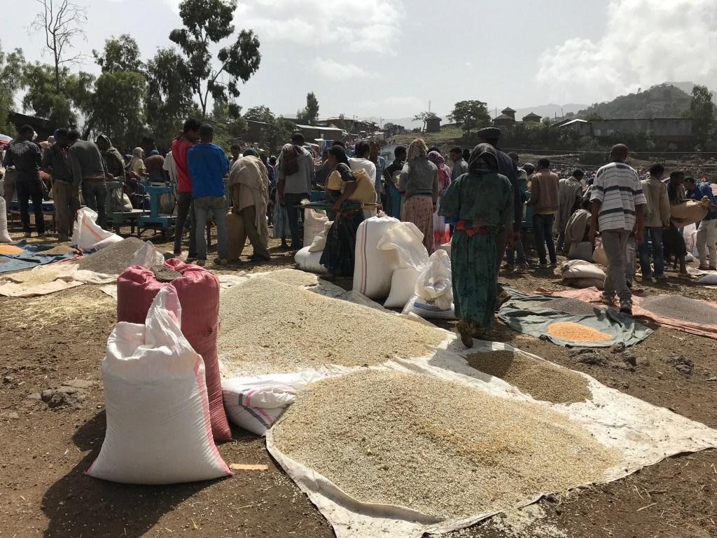 mercato sabato Lalibela etiopia africa viaggiare da soli scomfort zone