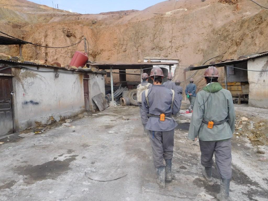 tour della miniera di potosì bolivia scomfort zone sudamerica zaino in spalla