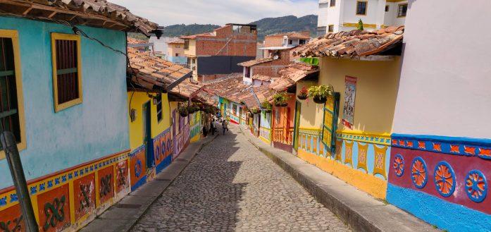 Il centro di Guatapè cosa fare due giorni a Medellin in viaggio in Colombia
